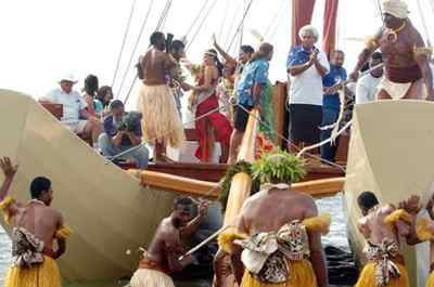 fiji-canoe-launch